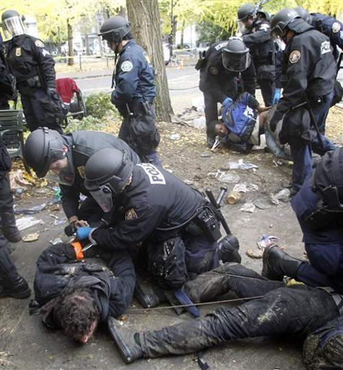 США решили демократизировать Украину. На сей раз - дотла 1323801205_lager-usa-141111-5