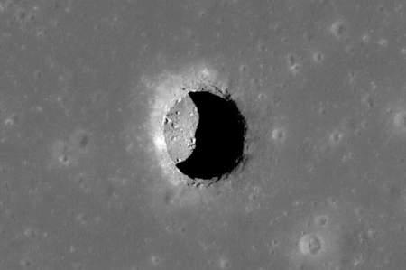 Лунные пещеры и туннели