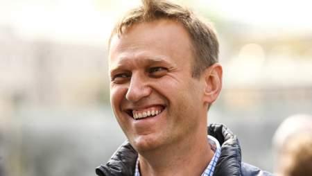 Общественность требует: «Навальный, пошел вон!»
