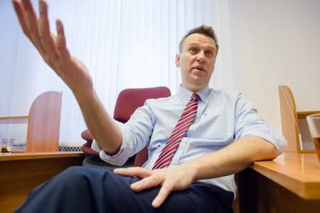 Игрушки Навального, или как блогер меняет партии