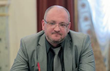 Петербургские депутаты бойкотировали своего коллегу-наркомана Максима Резника