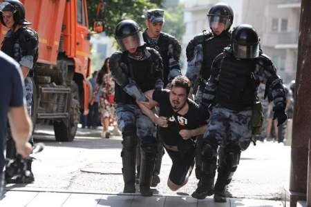 Остатки митингующих задержаны полицией на Трубной площади