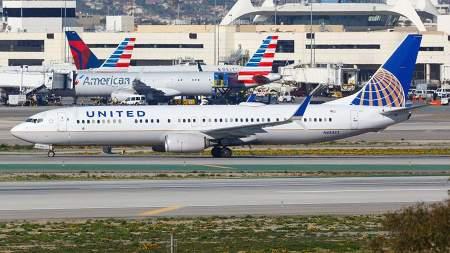 В хлам: американская авиакомпания United Airlines отменила рейс из-за пьяного экипажа