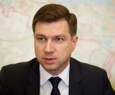 Просчёты или кумовство? Петербуржцы критикуют вице-губернатора Линченко