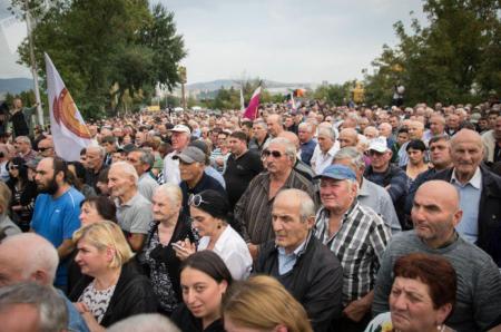 Американский чиновник показал грузинам, чего они стоят