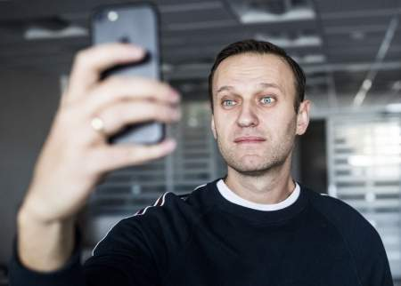 Соболь и Навальный выклянчивают донаты: не самим же оплачивать штрафы и компенсации!