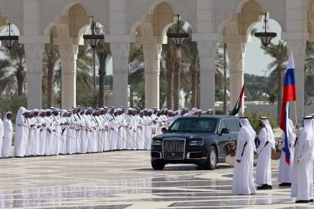 Как встретили Путина в ОАЭ: оркестр, почетный караул и конный кортеж