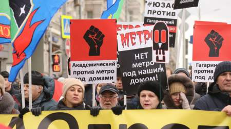Ярмарка кретинизма и торговля трупом: Марш Немцова