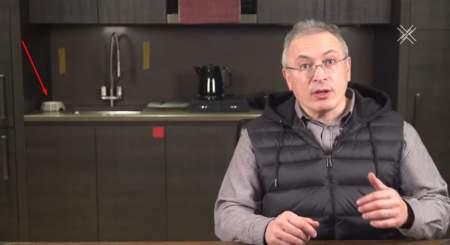 Ходорковский украл у коллег-либералов идею побираться у простых людей