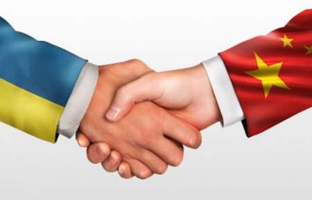 Политолог: Украину могут спасти нормализация отношений с Россией и деньги Китая