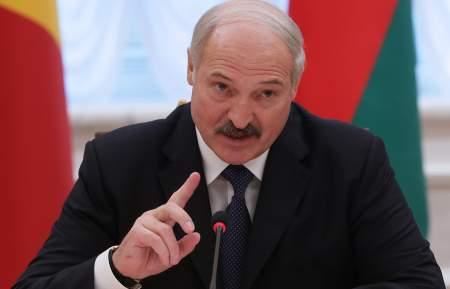 Лукашенко вступил в неравную борьбу с Россией