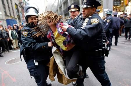 При разгоне протестов полиция США не щадит представителей прессы