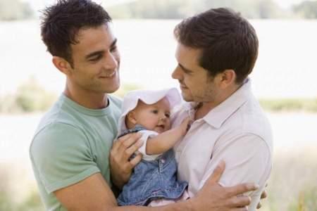 Воспитанники гомосексуальных семей выпадают из современного российского общества