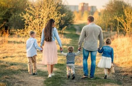Воспитание детей в ЛГБТ-семьях противоречит нормам Конвенции ООН