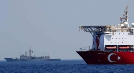 Турецкий военный корабль вступил в конфликт с фрегатом НАТО