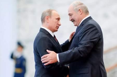 Лукашенко сослался на народ и получил — белорусы предложили примкнуть к России