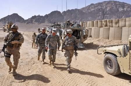 Если кому и объясняться по Афганистану, то это США