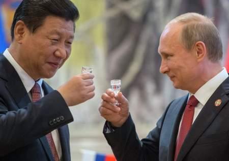 Китай поздравил российского главу с днем рождения и пожелал найти свою любовь