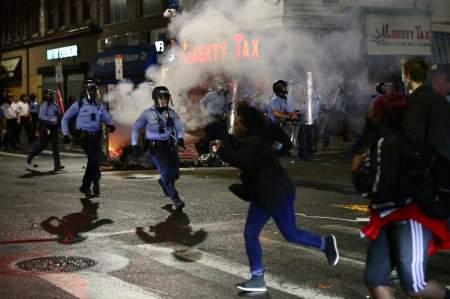 В Филадельфии вспыхнули новые протесты из-за неудачной попытки убить правоохранителей