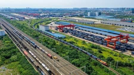 Товарное сообщение между Китаем и Европой обеспечивает Чэнду