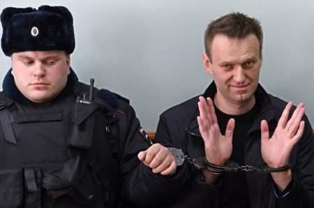 Навальный выставил свой бунт на продажу