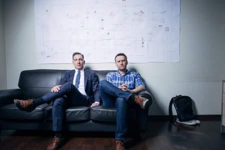 На соседних нарах Навальный может встретить сотрудников ФБК: прокуратура готова подтвердить экстремизм фонда