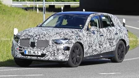 Новый Mercedes GLC 2022: живые фото и подробности